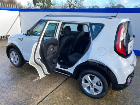 Kia Soul 2018 wheelchair & scooter accessible vehicle WAV 25
