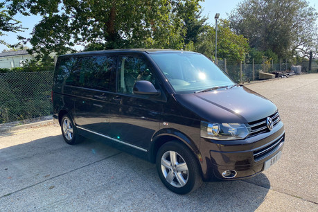 Volkswagen Caravelle 2014 EXECUTIVE TDI BLUEMOTION TECH wheelchair & scooter accessible vehicle