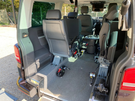 Volkswagen Caravelle EXECUTIVE TDI BLUEMOTION TECH wheelchair & scooter accessible vehicle WAV 17