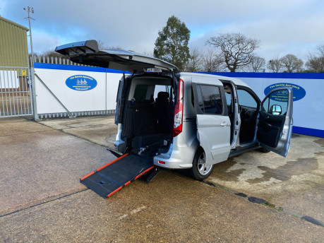Ford Tourneo Connect 2016 TITANIUM TDCI wheelchair & scooter accessible vehicle WAV 27