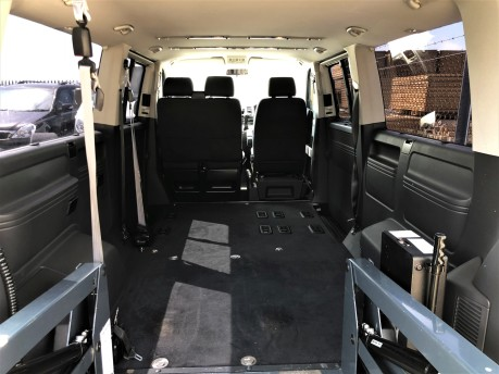 Volkswagen Transporter T30 TDI SHUTTLE SE Wheelchair Accessible Vehicle 12