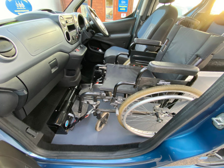 Peugeot Partner 2013 E-HDI TEPEE S wheelchair user upfront & scooter accessible vehicle WAV 22