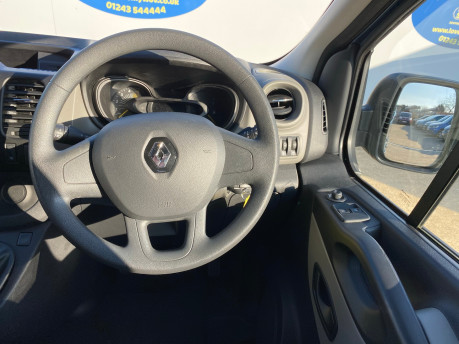 Renault Trafic 2016 LH29 BUSINESS ENERGY DCI H/R P/V wheelchair accessible vehicle WAV 17
