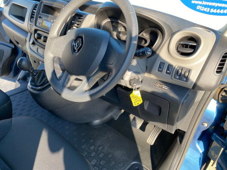 Renault Trafic 2016 LH29 BUSINESS ENERGY DCI H/R P/V wheelchair accessible vehicle WAV 24