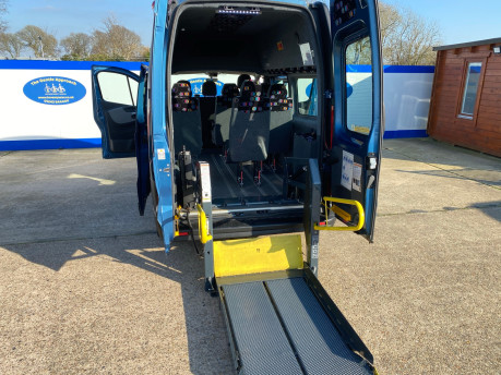 Renault Trafic 2016 LH29 BUSINESS ENERGY DCI H/R P/V wheelchair accessible vehicle WAV 27