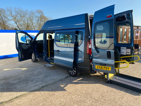 Renault Trafic 2016 LH29 BUSINESS ENERGY DCI H/R P/V wheelchair accessible vehicle WAV 28