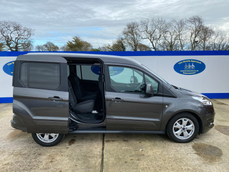 Ford Tourneo Connect 2016 TITANIUM TDCI Wheelchair & scooter accessible vehicle WAV 31