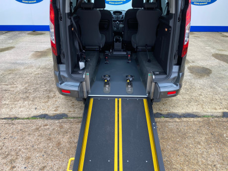 Ford Tourneo Connect 2016 TITANIUM TDCI Wheelchair & scooter accessible vehicle WAV 8