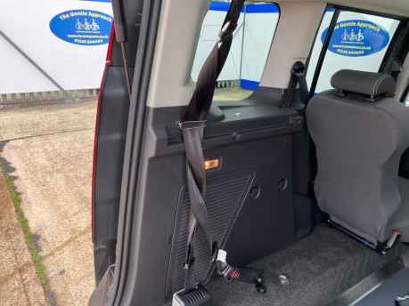 Ford Tourneo Connect 2016 TITANIUM TDCI Wheelchair & scooter accessible vehicle WAV 21