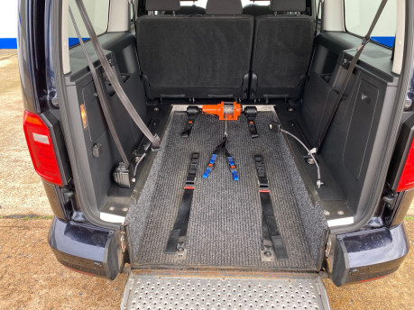 Volkswagen Caddy Maxi 2016 C20 LIFE TDI wheelchair & scooter accessible vehicle WAV 9