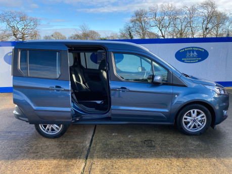 Ford Tourneo Connect 2020 TITANIUM TDCI wheelchair & scooter accessible vehicle WAV 31