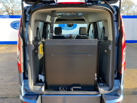 Ford Tourneo Connect 2020 TITANIUM TDCI wheelchair & scooter accessible vehicle WAV 6