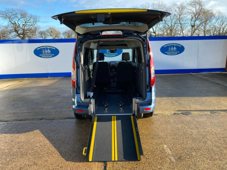 Ford Tourneo Connect 2020 TITANIUM TDCI wheelchair & scooter accessible vehicle WAV 7