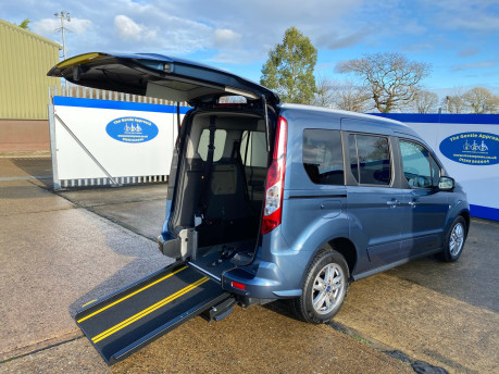 Ford Tourneo Connect 2020 TITANIUM TDCI wheelchair & scooter accessible vehicle WAV 19