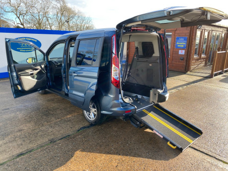 Ford Tourneo Connect 2020 TITANIUM TDCI wheelchair & scooter accessible vehicle WAV 20