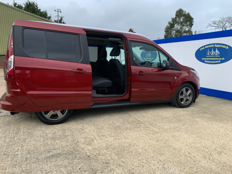 Ford Grand Tourneo Connect 2019 TITANIUM TDCI wheelchair & scooter accessible vehicle WAV 26