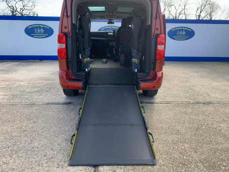 Peugeot Traveller 2019 BLUEHDI S/S ALLURE STD Wheelchair and scooter accessible vehicle WAV 7