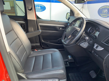 Peugeot Traveller 2019 BLUEHDI S/S ALLURE STD Wheelchair and scooter accessible vehicle WAV 13