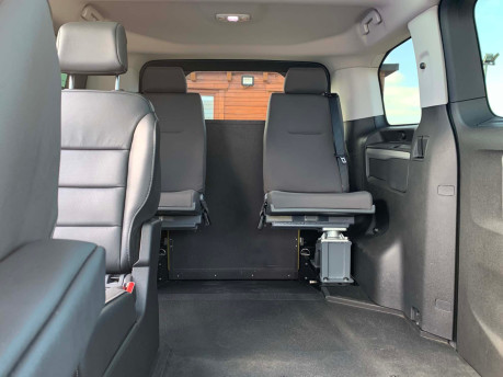 Peugeot Traveller 2019 BLUEHDI S/S ALLURE STD Wheelchair and scooter accessible vehicle WAV 15