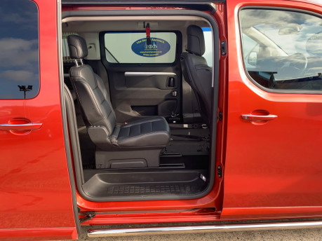 Peugeot Traveller BLUEHDI S/S ALLURE STANDARD Wheelchair and scooter accessible vehicle WAV 17