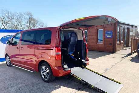 Peugeot Traveller BLUEHDI S/S ALLURE STANDARD Wheelchair and scooter accessible vehicle WAV