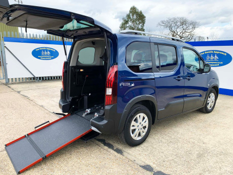Peugeot Rifter BLUEHDI ALLURE wheelchair & scooter accessible vehicle WAV 24