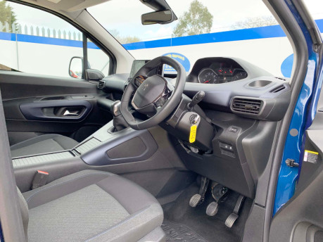 Peugeot Rifter BLUEHDI ALLURE wheelchair & scooter accessible vehicle WAV 13