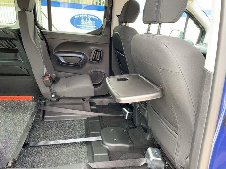 Peugeot Rifter BLUEHDI ALLURE wheelchair & scooter accessible vehicle WAV 17