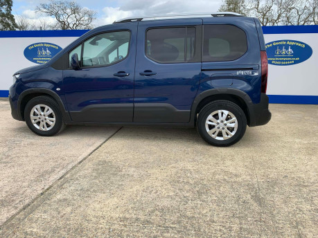 Peugeot Rifter BLUEHDI ALLURE wheelchair & scooter accessible vehicle WAV 18