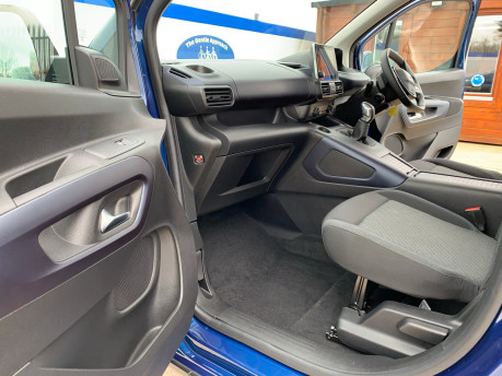Peugeot Rifter BLUEHDI ALLURE wheelchair & scooter accessible vehicle WAV 20