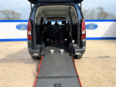 Peugeot Rifter BLUEHDI S/S ALLURE wheelchair & scooter accessible vehicle WAV 8