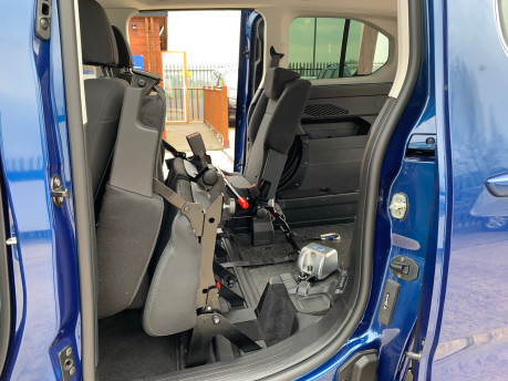 Peugeot Rifter BLUEHDI S/S ALLURE wheelchair & scooter accessible vehicle WAV 24