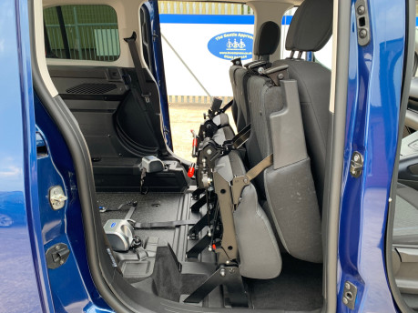 Peugeot Rifter BLUEHDI S/S ALLURE wheelchair & scooter accessible vehicle WAV 26