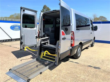 Renault Master 2018 SL28 BUSINESS DCI P/V QUICKSHIFT wheelchair & scooter accessible WAV 32