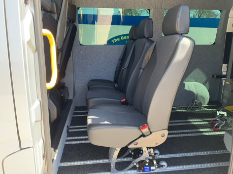 Renault Master 2018 SL28 BUSINESS DCI P/V QUICKSHIFT wheelchair & scooter accessible WAV 28