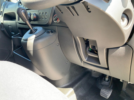 Renault Master 2018 SL28 BUSINESS DCI P/V QUICKSHIFT wheelchair & scooter accessible WAV 17