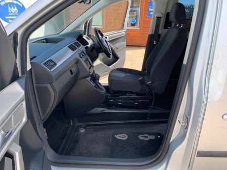 Volkswagen Caddy Life 2016 C20 LIFE TDI upfront wheelchair & scooter accessible vehicle WAV 18