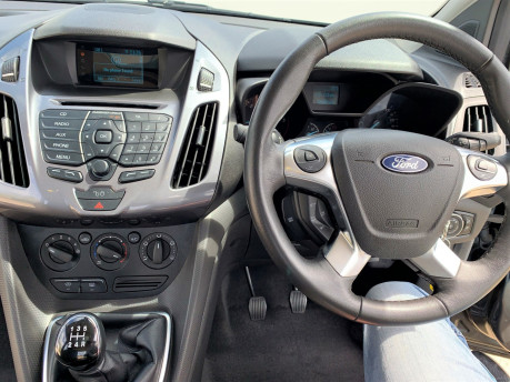 Ford Tourneo Connect 2018 TITANIUM TDCI Wheelchair & scooter accessible vehicle WAV 17