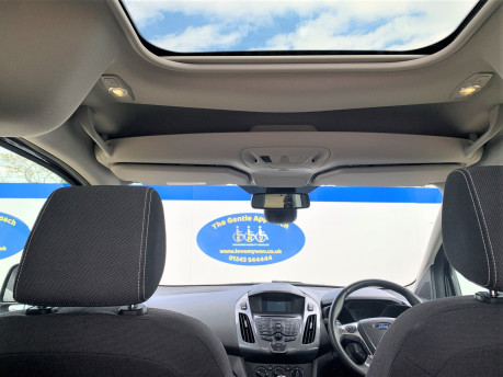 Ford Tourneo Connect 2018 TITANIUM TDCI Wheelchair & scooter accessible vehicle WAV 22