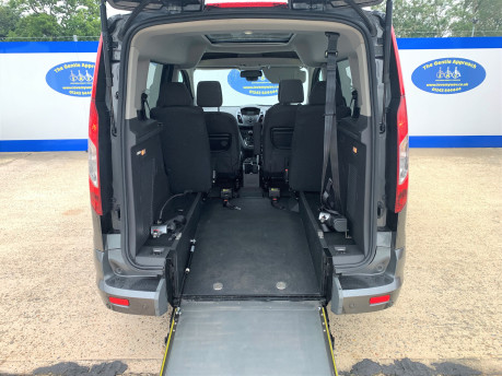 Ford Tourneo Connect 2018 TITANIUM TDCI Wheelchair & scooter accessible vehicle WAV 7