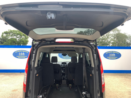 Ford Tourneo Connect 2018 TITANIUM TDCI Wheelchair & scooter accessible vehicle WAV 6