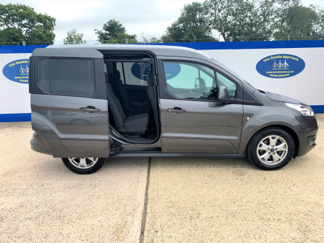Ford Tourneo Connect 2018 TITANIUM TDCI Wheelchair & scooter accessible vehicle WAV 27