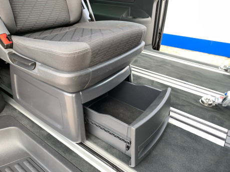 Volkswagen Caravelle 2013 SE TDI BLUEMOTION TECH Wheelchair & scooter accessible vehicle WAV 21