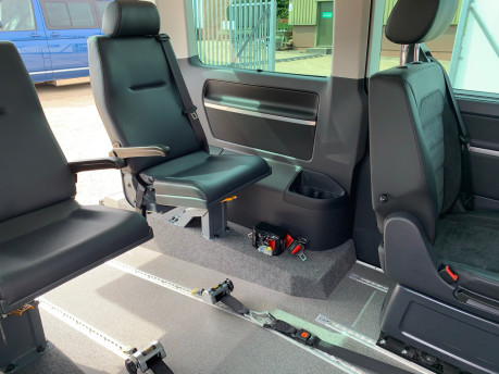 Volkswagen Caravelle 2017 EXECUTIVE TDI BMT Wheelchair & scooter accessible vehicle WAV 11