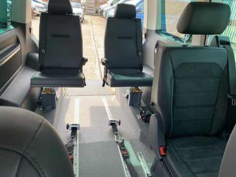 Volkswagen Caravelle 2017 EXECUTIVE TDI BMT Wheelchair & scooter accessible vehicle WAV 12