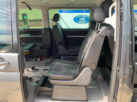 Volkswagen Caravelle 2017 EXECUTIVE TDI BMT Wheelchair & scooter accessible vehicle WAV 18