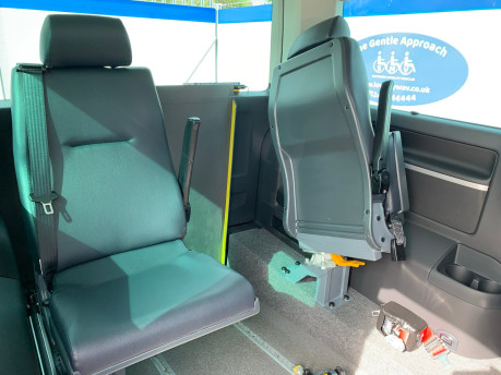 Volkswagen Caravelle 2017 EXECUTIVE TDI BMT Wheelchair & scooter accessible vehicle WAV 20