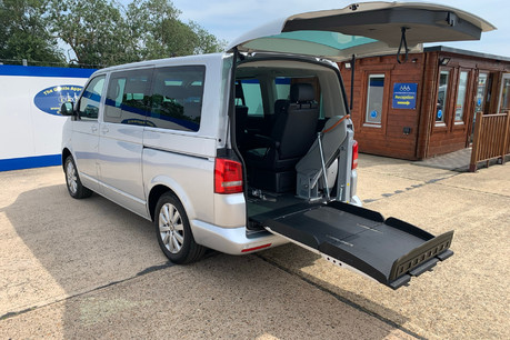 Volkswagen Caravelle EXECUTIVE TDI BLUEMOTION TECH wheelchair & scooter accessible vehicle