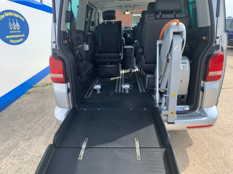 Volkswagen Caravelle 2014 EXECUTIVE TDI BLUEMOTION TECH wheelchair & scooter accessible vehicle 9