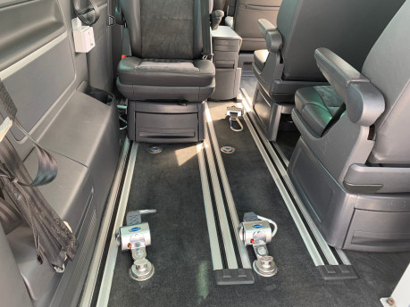 Volkswagen Caravelle 2014 EXECUTIVE TDI BLUEMOTION TECH wheelchair & scooter accessible vehicle 12